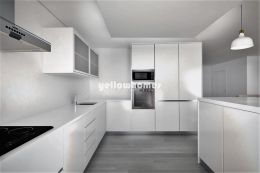 Contemporary 3-bed apartments near the beach in...